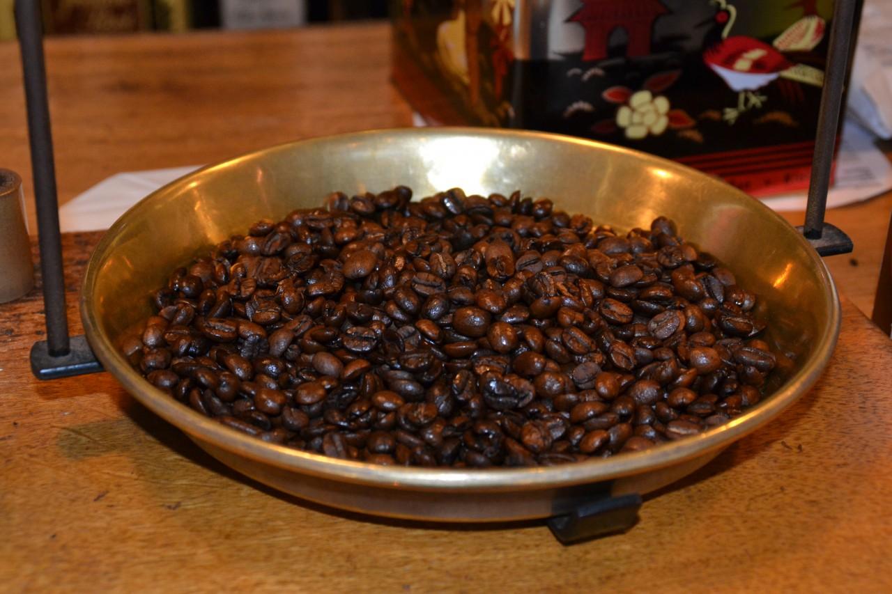 "Kaffee Oberlaa/,,Der falsche Hase"""